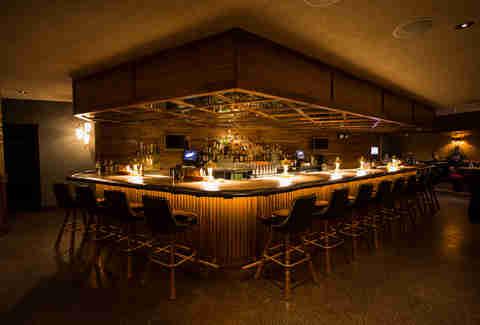 best bars in phoenix for singles