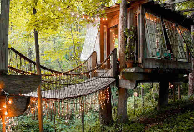 This Beautiful Treehouse Is the Most Popular Listing on Airbnb