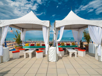 best beach bars in Chicago