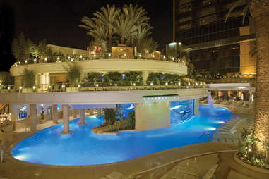 golden nugget pool area