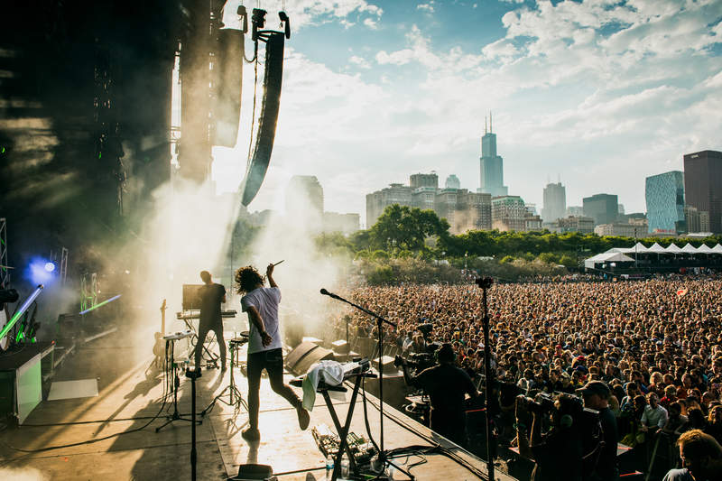 m83 performing at lollapalooza 2016