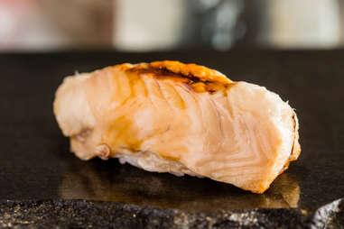 eel seafood sushi roll