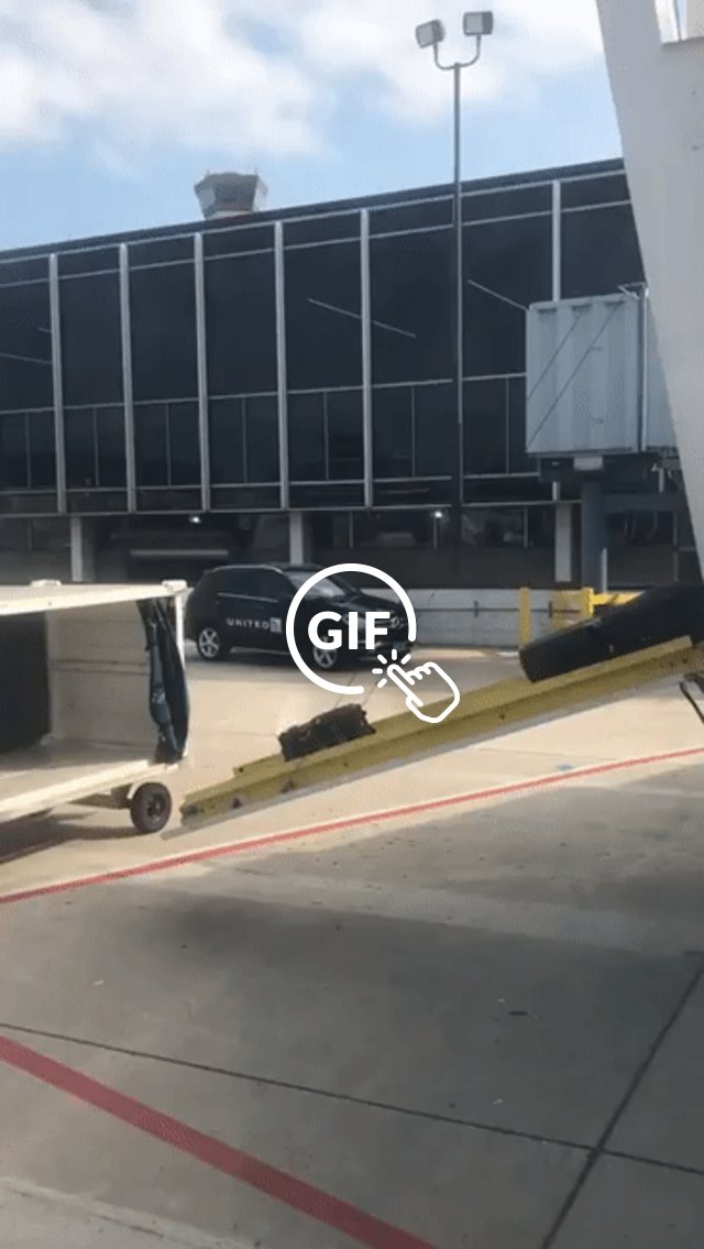 United baggage mess