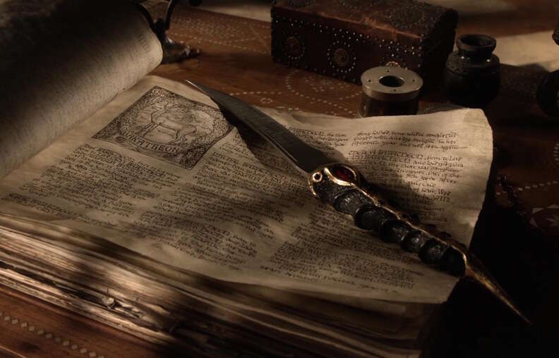 dagger game of thrones season 1 episode 4