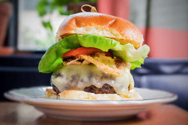 the whitfield cheeseburger