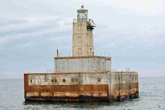 lansing shoal lighthouse