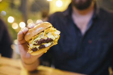 Mott Burger