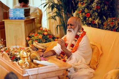 maharishi founder of transcendental meditation