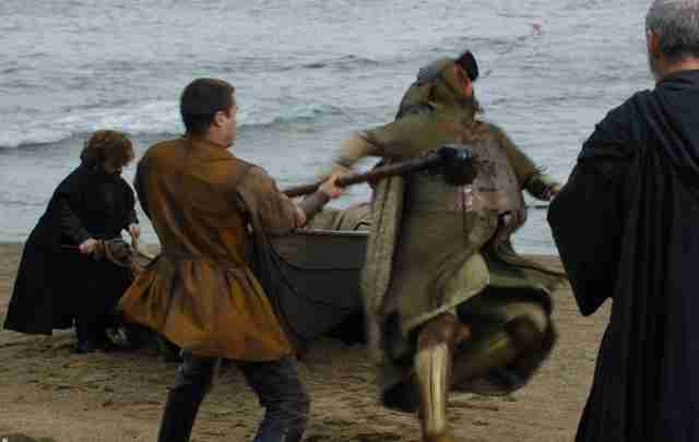 gendry warhammer fight season 7 game of thrones