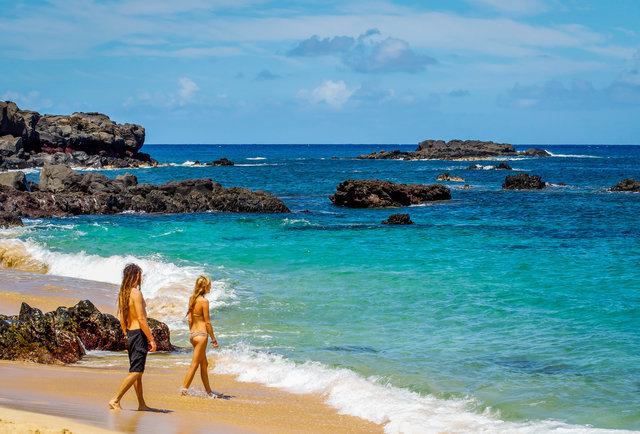 Hurry Up and Get a $359 Roundtrip Flight to Hawaii