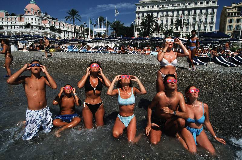 Total Eclipse On The Hotel Negresco On August 11st, 1999 In Nice,France