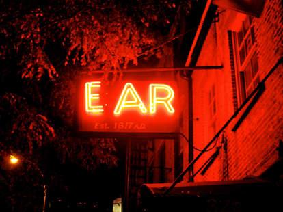 Best Neon Bar Signs   Ear Inn  Bulleit   Supercall