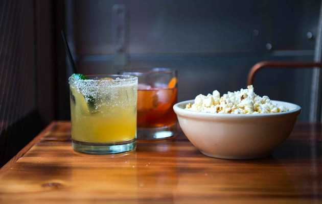 The Best Places to Score Free Bar Snacks in Seattle