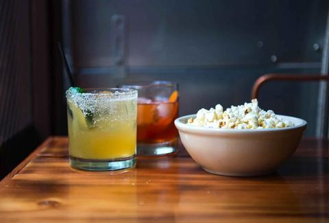 best places to score free bar snacks in seattle