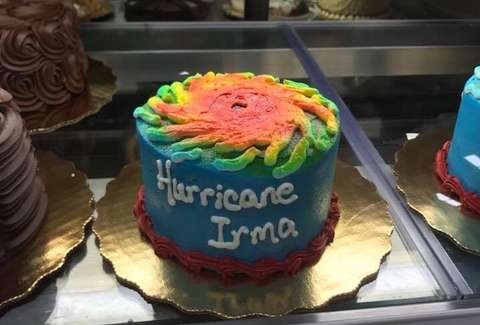 Florida Grocery Stores Are Selling Hurricane Irma Cakes And People Dont Know How To Feel