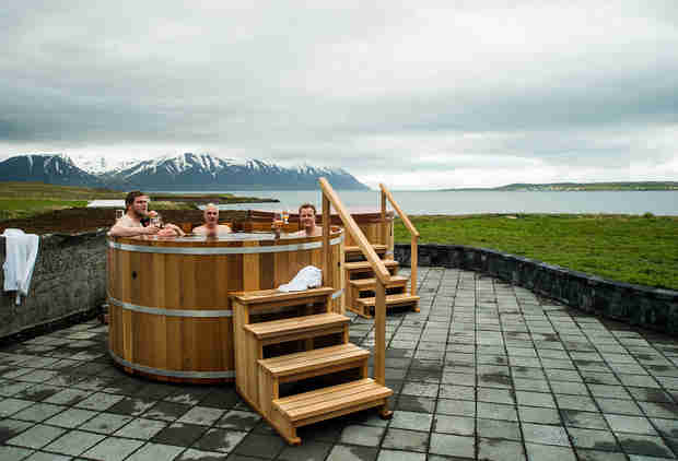 This Icelandic Spa Lets You Soak in Tubs of Hot Beer While Drinking a Cold One