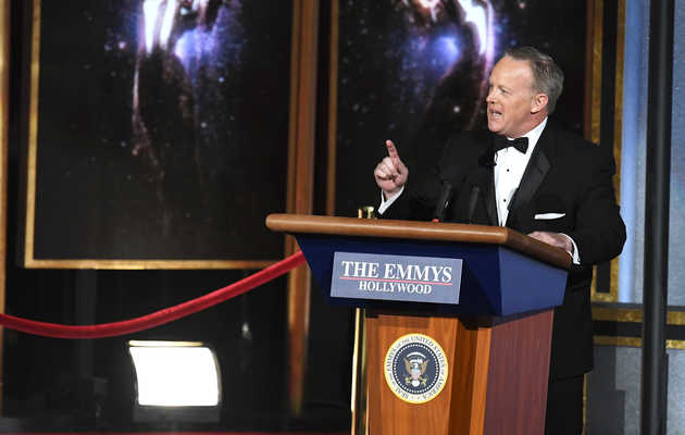 Sean Spicer Crashes the Emmys to Convince the World He's Funny Now