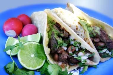 Tacos El Yaqui Perrones - Rosarito