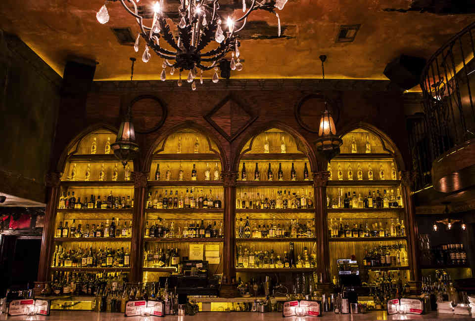 Best Hidden Speakeasies in Los Angeles & How to Get Into Them