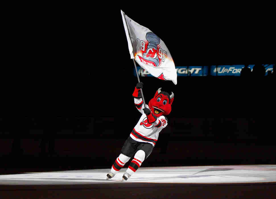 nj devil on ice