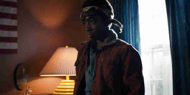 caleb mclaughlin age stranger things