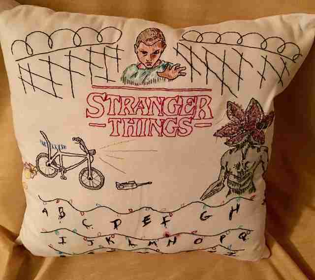 Best Stranger Things Fan Art: Drawings, Cakes, Body Paint