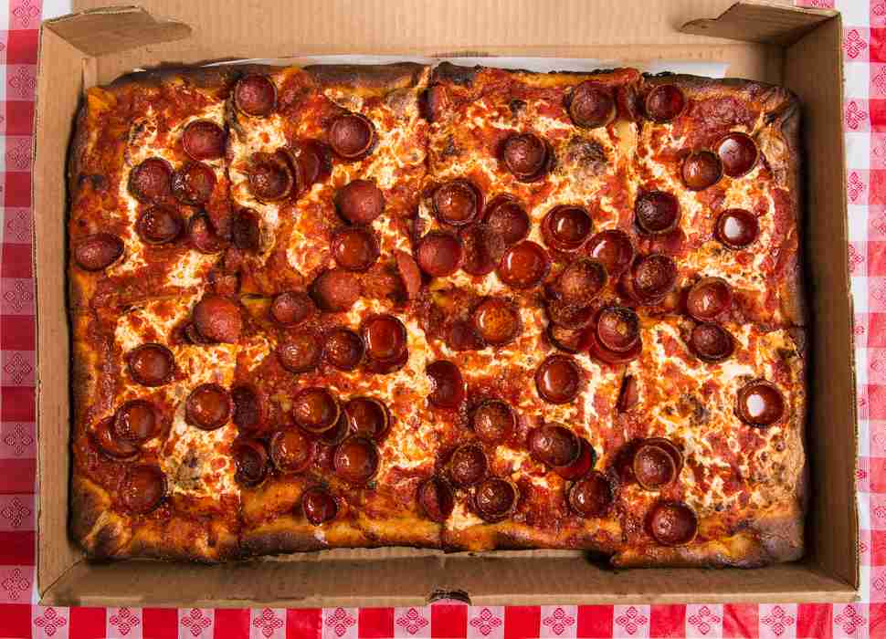 Good Pizza Places Near Me: Best Pizzerias Near Me In 35 US Cities