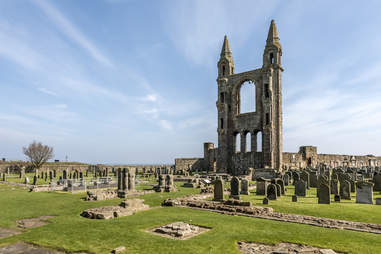 st andrews cathedral graveyard