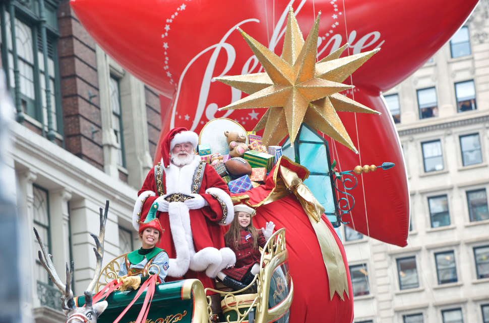 Christmas Day Parade.Macy S Thanksgiving Day Parade 2017 Lineup Every Performer