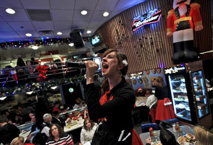 What It's Like to Work at Ellen's Stardust Diner, a Halfway House of Broadway Dreams