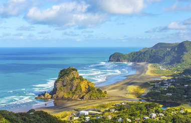 Piha Beach, Auckland New Zealand
