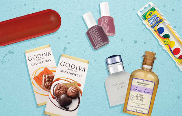Here's How To Find Legit Holiday Gifts At A Drugstore
