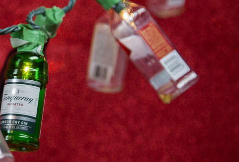 Christmas Liquor.Ways To Use Mini Booze Bottles This Christmas Thrillist