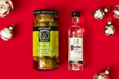 Vermouth Martini Olives & Ketel One Vodka Bottle  – Spirited Gifts – Ketel One