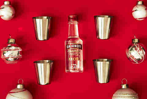 Outdoor Stainless Steel Shot Glasses with Smirnoff No. 21 Vodka Bottle – Spirited Gifts - Supercall