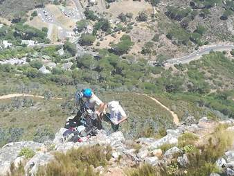 Climbing descending cliff to search for missing dog