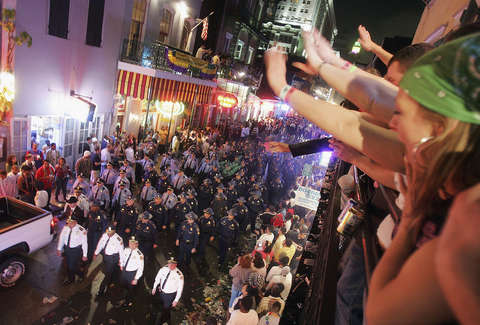 New Orleans Drinking Laws Explained For Mardi Gras Visitors