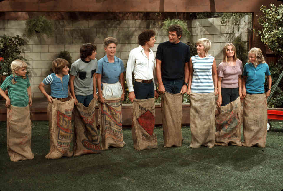 Laugh Tracks in TV Sitcoms: The History Behind the Original