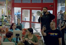 Drake Went Into a Grocery Store and Announced He Was Paying For Everyone's Groceries