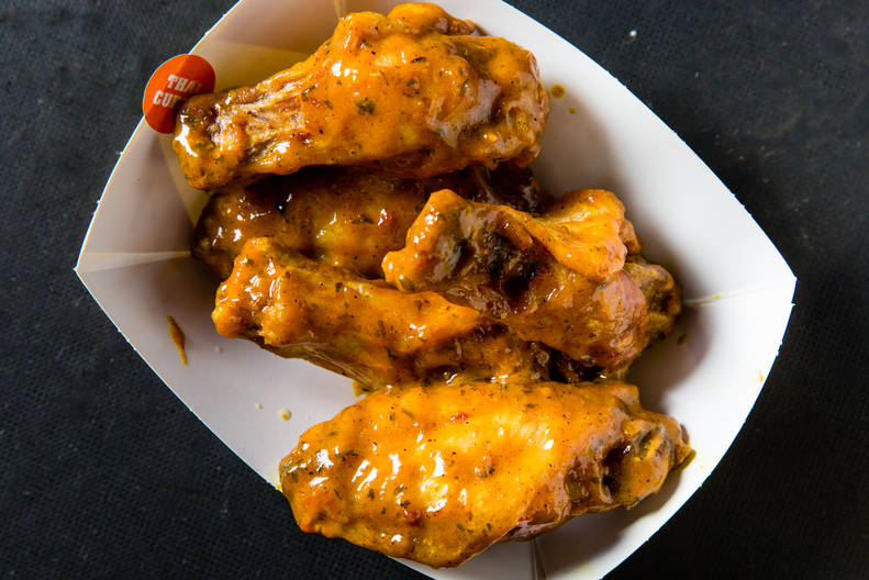 Best Buffalo Wild Wing Sauces Every Wing Flavor Ranked By Wildness Thrillist