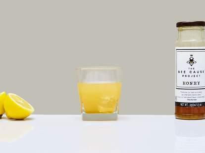 Gold Rush cocktail ingredients