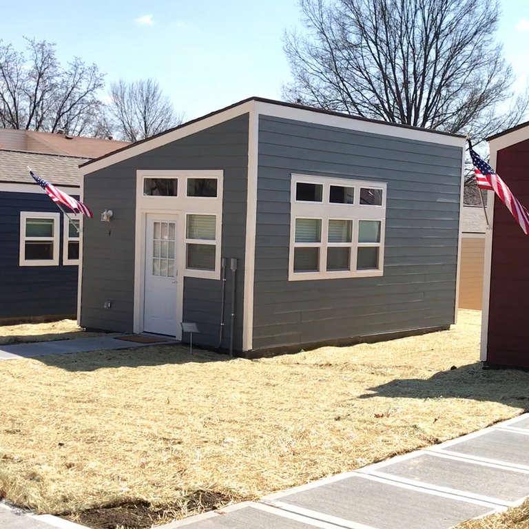 Village Of Tiny Homes Built For Homeless Veterans In Kansas City Nowthis