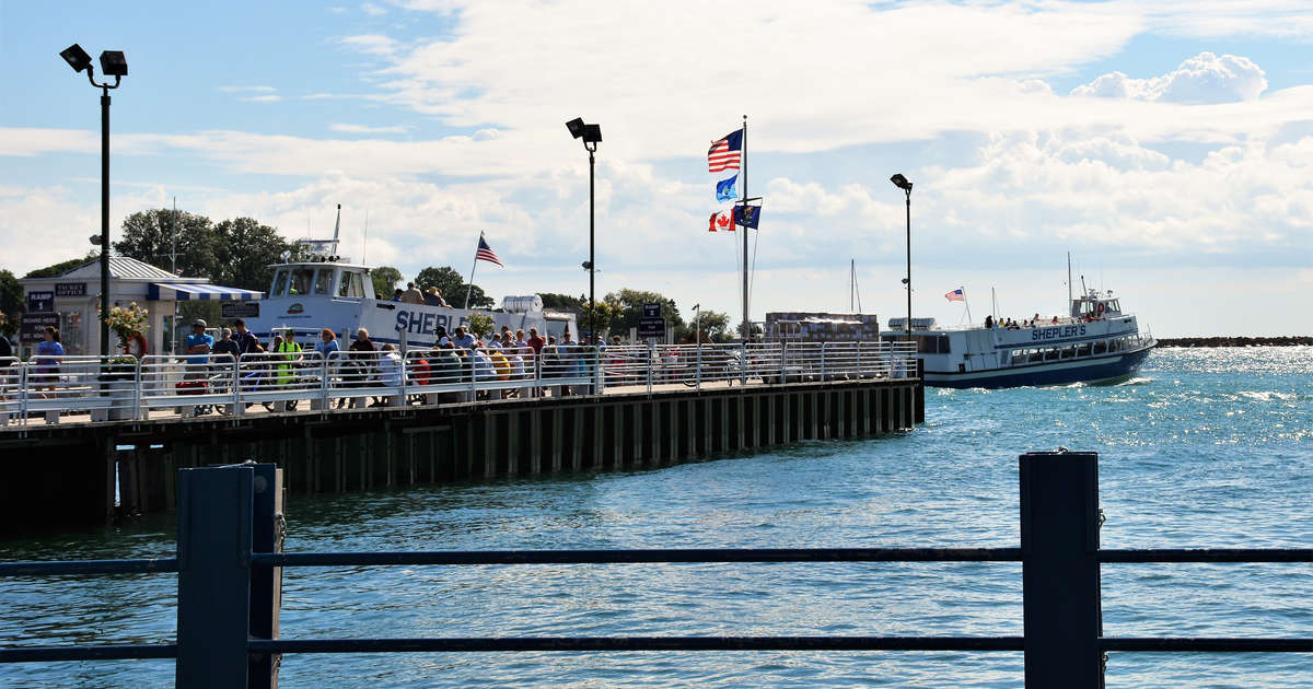 Best Michigan Beach Towns Where To Visit Along The Great Lakes More Thrillist