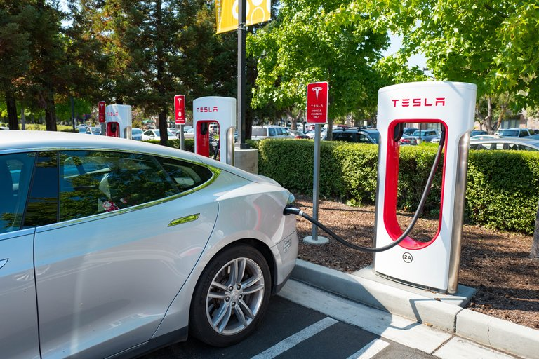 Tesla And General Motors Rival For Electric Vehicle Dominance