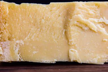 sbrinz swiss switzerland cheese cheeses switzerland crystals aged