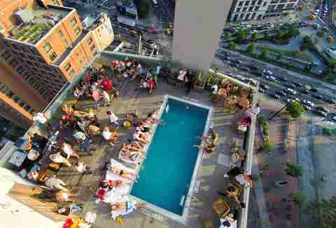 Best Rooftop Bars In Nyc Outdoor Drinking Spots With A View Thrillist