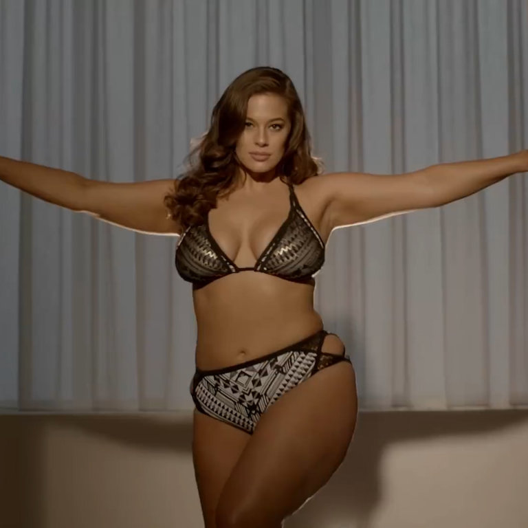 a58b4da3 Ashley Graham Uses Untouched Photos In New Campaign - NowThis