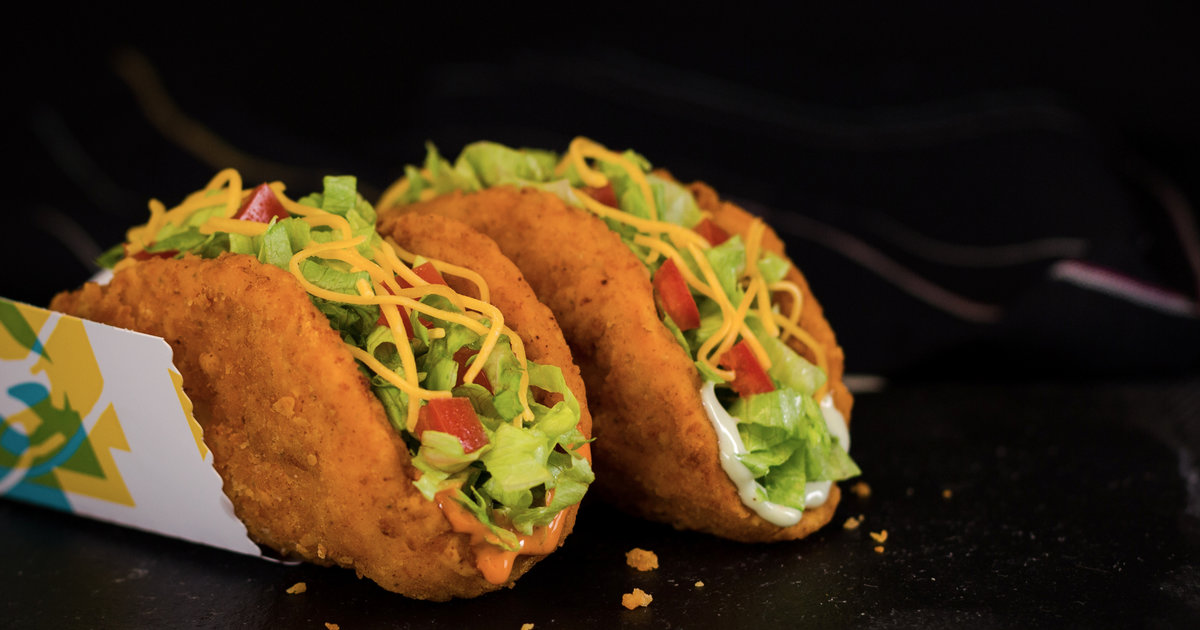 Taco Bell039s Naked Chicken Chalupa Is Back With An All New 039