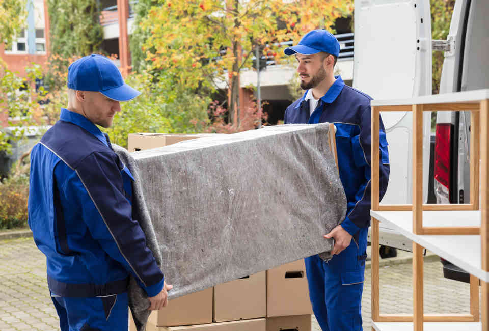 How to Move in NYC: The Best Movers & Companies for Moving