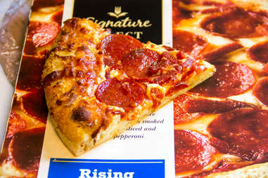 Signature Select pizza pepperoni cheese frozen pizzas slice slices rising crust dinner lunch